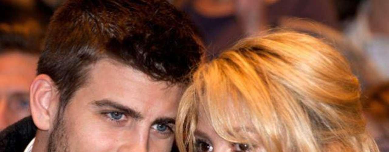 Próximos a casarse.  Al observar la estable y buena relación que llevan estas dos estrellas, juntas desde el 30 de marzo de 2011, los medios no han dudado en asegurar que los planes de matrimonio ya están listos. Otra noticia falsa que ha sido desmentida por la pareja.