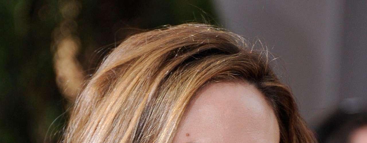El líder de los Rolling Stones, quedó prendido con Angelina Jolie cuando grabaron el video \