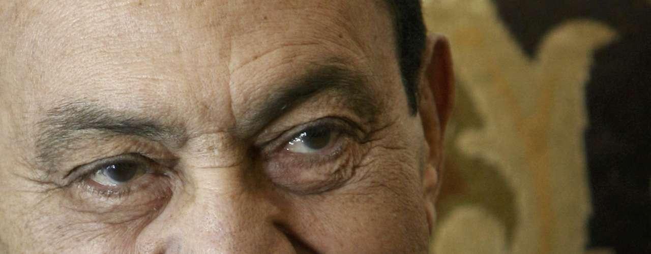 22 de febrero del 2012 - Queda visto para sentencia el juicio contra Mubarak.