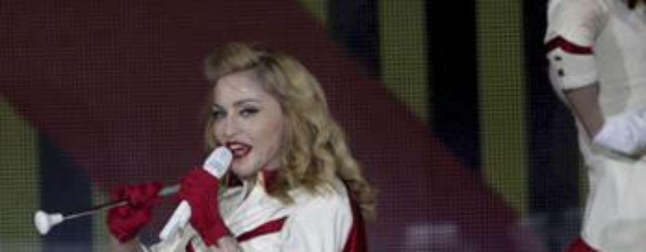 La sensualidad y el erotismo de Madonna se han vuelto los principales protagonistas de su espectáculo.