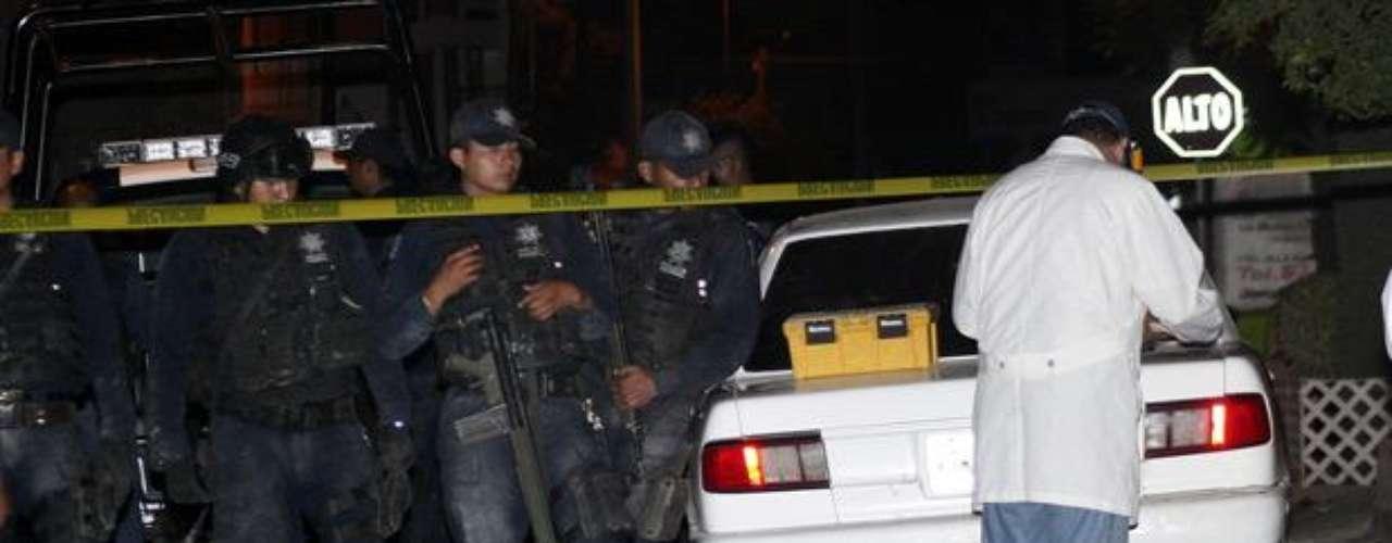 Al paso de los años, ambos cárteles desarrollaron una profunda rivalidad, la cual alcanzó uno de sus puntos más violentos el 24 de mayo de 1993, cuando ambas bandas protagonizaron una mortal balacera en el Aeropuerto Internacional de Guadalajara donde una de las siete víctimas fue el cardenal Juan Jesús Posadas Ocampo.