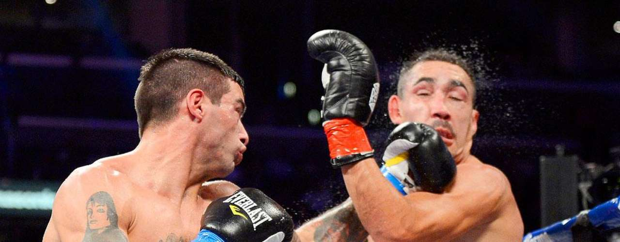El argentino Lucas Matthysse dio una gran demostración de poder y noqueó en cinco asaltos al mexicano Humberto 'Zorrita' Soto y ganó la oportunidad de ir por el título superligero del Consejo Mundial de Boxeo, además de ganar la corona intercontinental del mismo organismo.