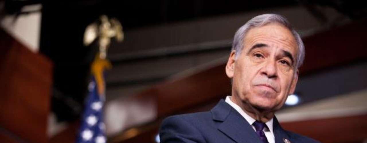 El presidente del grupo hispano en el Congreso, el demócrata Charlie Gonzalez, consideró posible llevar de nuevo a Arizona ante la justicia por la medida que prevaleció. \