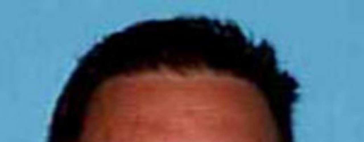 Richard Craig Torres presuntamente abusó sexualmente de una menor en varias ocasiones en Sacramento, California, en el año del 2007. Se sabe que Torres disfruta de hacer ejercicio en el gimnasio. Es posible que haya huido a México.