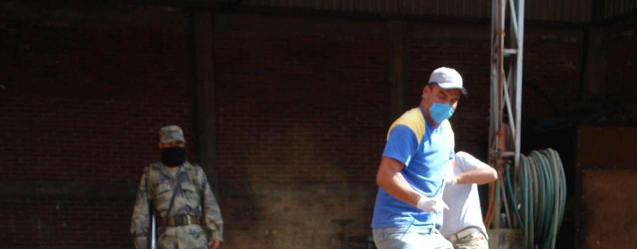A finales de mayo cinco fosas clandestinas con un número indeterminado de restos humanos enterrados hace varios meses fueron localizadas en el estado de de Nuevo León, según informaron las autoriddades locales.