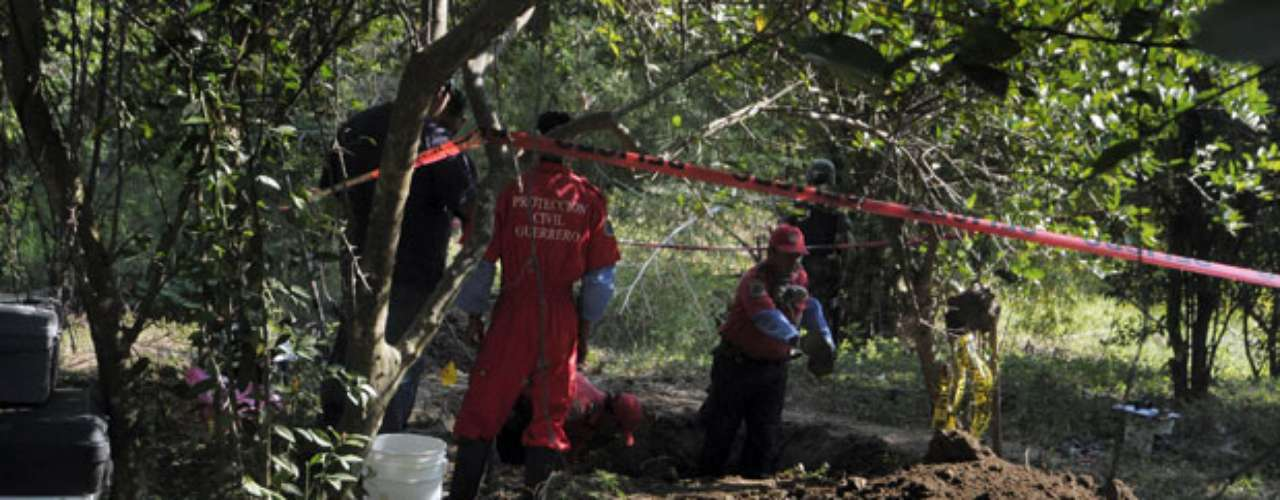 A finales de febrero de este año tres cadáveres fueron localizados en una fosa clandestina en Sinaloa, estado en donde opera el cartel encabezado por Joaquín \