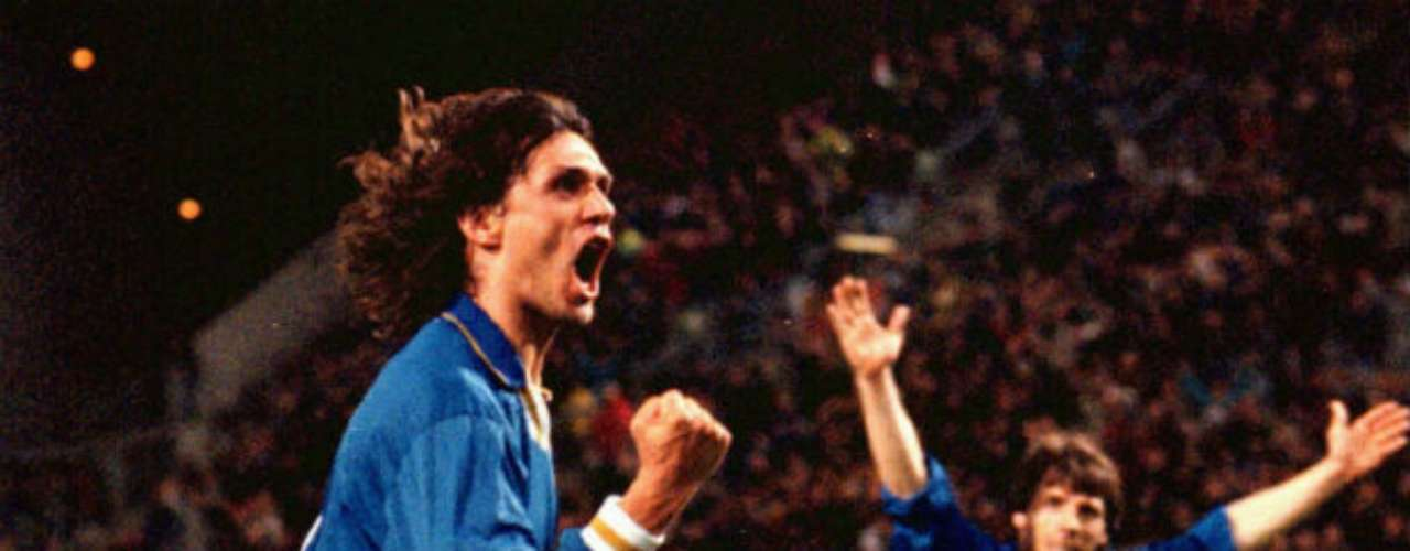 The defender Paolo Maldini played with the national team on 126 occasions, scoring 7 goals. He symbolized the team throughout his career through he could never win a title, losing the Euro 200 final to France and the 1994 World Cup to Brazil.