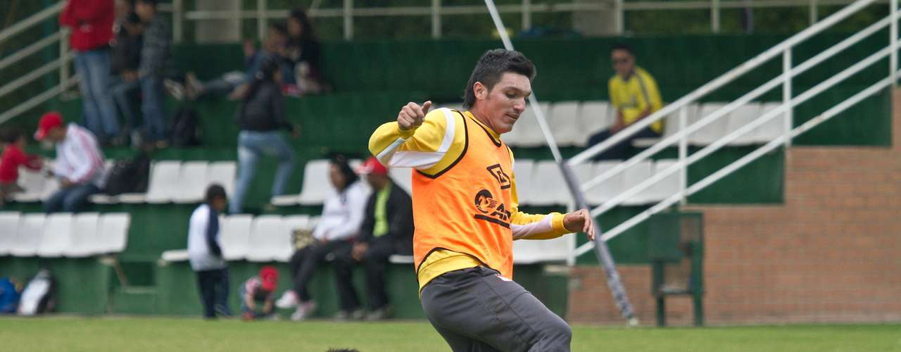 El volante Daniel Torres ya se recuperó y espera una nueva oportunidad para ser titular en Independiente Santa Fe.