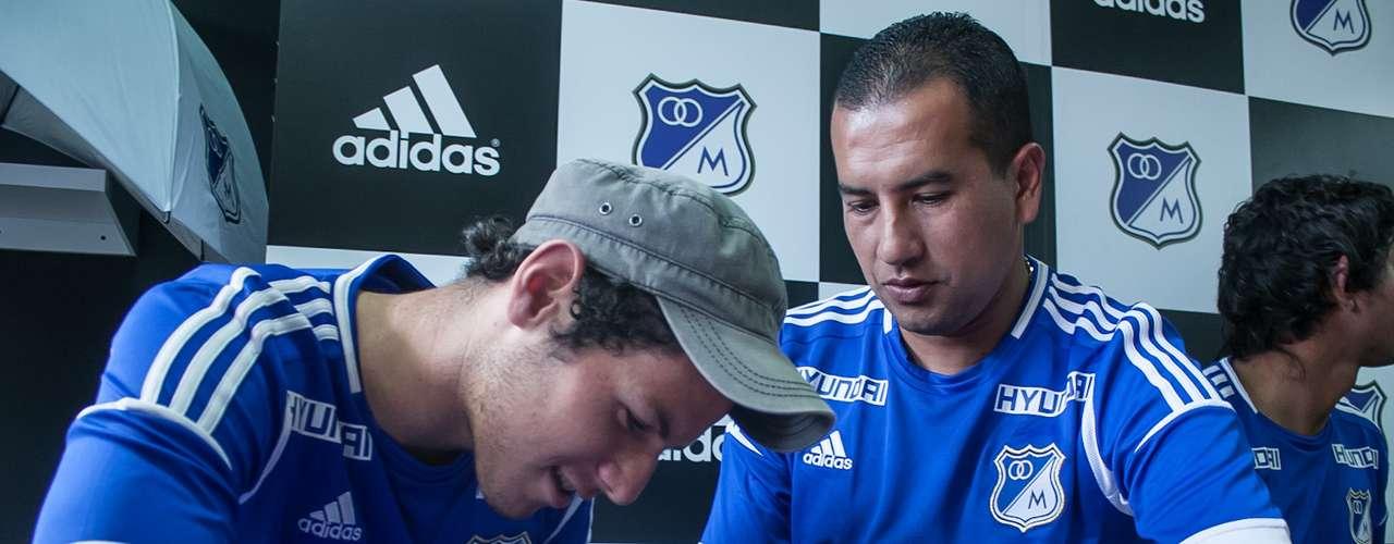 Franco, Ramos y Osorio se divirtieron bastante con la presencia de los hinchas azules, gozaron como nunca en una tarde atípica, en la que tuvieron que estar más de dos horas sentados.
