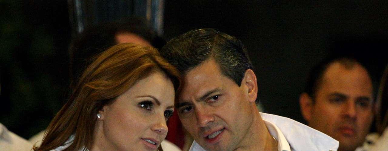 La  ex actriz Angélica Rivera, esposa de Enrique Peña Nieto, el nuevo Presidente de México, se convirtió en la nueva primera dama de ese país.  La actriz fue protagonista del videoclip \