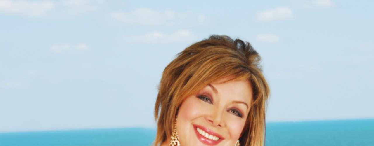 En 1983 y 1984 presentó El Show de las Estrellas, musical del sábado en la noche, con Jorge Barón.