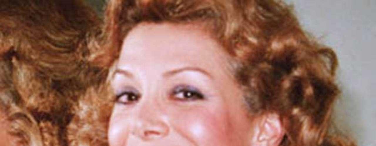 Durante el 2008 presentó varias denuncias por injuria y calumnia a diferentes personajes públicos del país y medios como el Tiempo y la Revista Semana, la mayoría de ellos por la reproducción no autorizada de un capítulo de su libro 'Amando a Pablo, odiando a Escobar'.