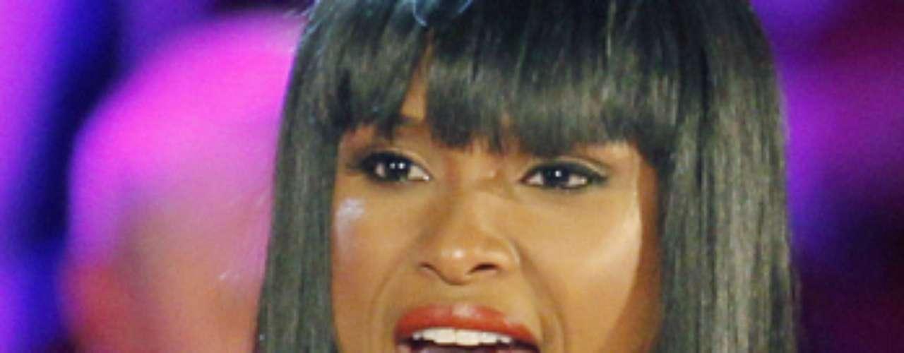 Los pechos de Jennifer Hudson fueron capturados mientras practicaba su show.