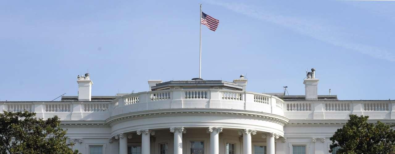 Barack Obama y su esposa Michelle conmemorarán la independencia de la corona británica con una  barbacoa en los jardines de la zona sur de la Casa Blanca, junto  a militares y a sus familias.