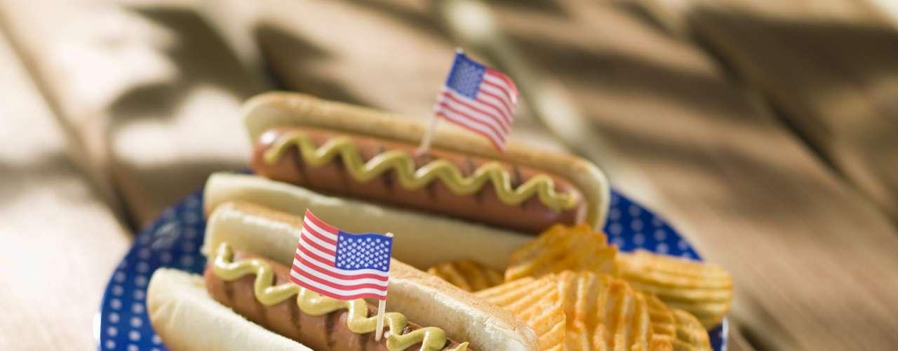 Hoy, en algunos lugares se han creado competencias para ver quién come más rápido decenas de sandías, o quién engulle con más rapidez exageradas cantidades de  perros calientes.