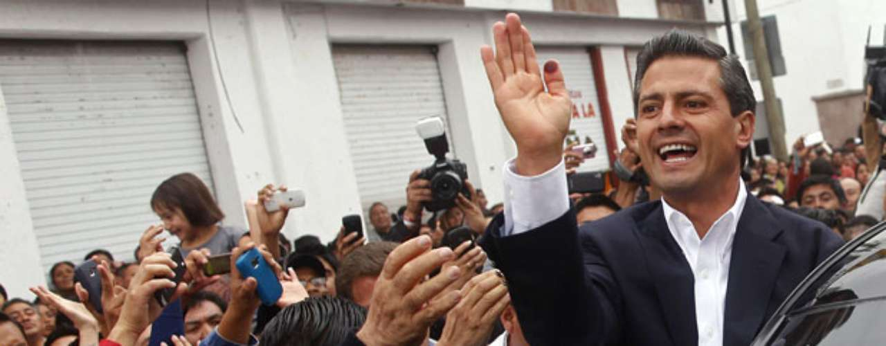 A tres días de las elecciones presidenciales en México, en las que resultó vencedor Enrique Peña Nieto del Partido Revolucionario Institucional (PRI), ha salido a la luz una supuesta compra de votos del partido mediante tarjetas prepago para canjearlas en la cadena de tiendas Soriana. El PRI lo niega, ¿pero qué hay detrás de esta acusación? ¿Hubo elecciones limpias?