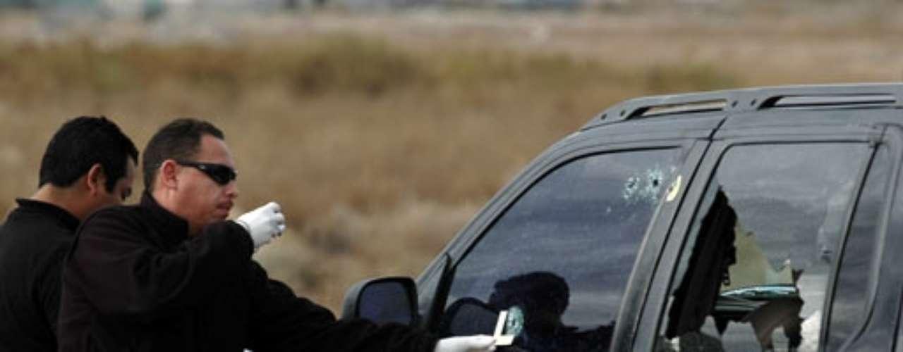 Zulema conoció a El Chapo Guzmán en 1997, en el Penal de Puente Grande, Jalisco, después inició una relación sentimental con el capo, sin embargo ya no se supo nada de ella hasta el 17 de diciembre del 2008, que apareció muerta dentro de un auto con la marca de la 'Z' en todo el cuerpo. Su cadáver estaba cubierto en un cobertor rosa, con su cabeza y pies sujetados con cinta; según el forense fue asfixiada y después rematada con un tiro en la cabeza.