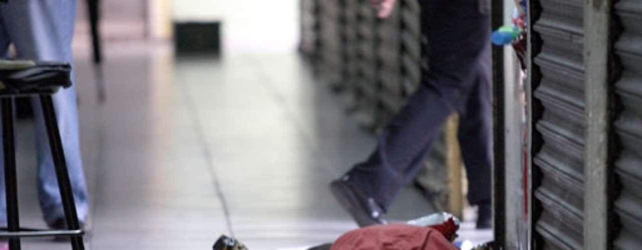 La polémica mujer se hizo famosa al haber librado cuatro atentados, y al tomar casos que involucraban asuntos del crimen organizado. Finalmente el quinto atentado no lo libró y fue acribillada con ráfagas de armas AR-15 delante de su única hija, dentro de uno centro comercial en Monterrey, al norte de México el 9 de agosto del 2009.