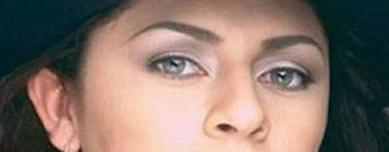 La cantante mexicana de música grupera Zayda Peña Arjona fue asesinada por un sicario en un hospital de la norteña ciudad de Matamoros, donde se recuperaba de las heridas de un ataque a tiros que sufrió horas antes, en un cuarto de un motel. Si muerte fue relacionada con el crimen organizado.