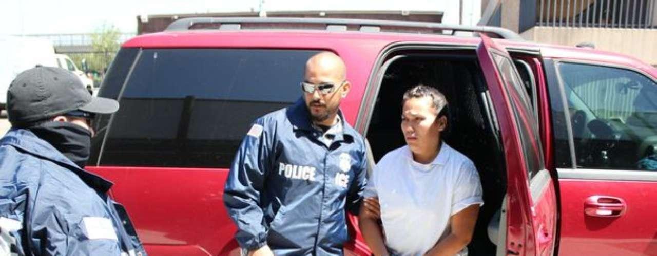 Annel Violeta Noriega Ríos, alias 'La Bonita', fue capturada en Los Ángeles el 27 de junio de 2012. Esta mujer era buscada por su participación en el cártel de La Familia de Michoacán. Según los servicios de inteligencia, 'La Bonita' oficiaba de contacto entre La Familia y el cártel de Sinaloa.