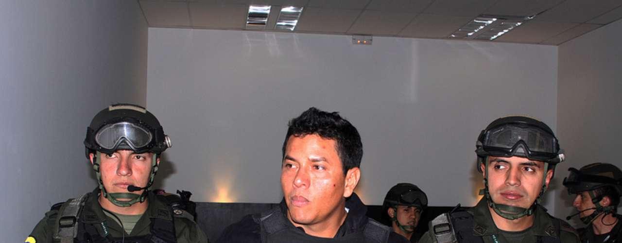 La Armada y la Policía Nacional detallaron los pormenores de la detención a través de un comunicado, en el que explicaron que Camilo Torres Martínez, 'Fritanga', figuraba en la llamada \