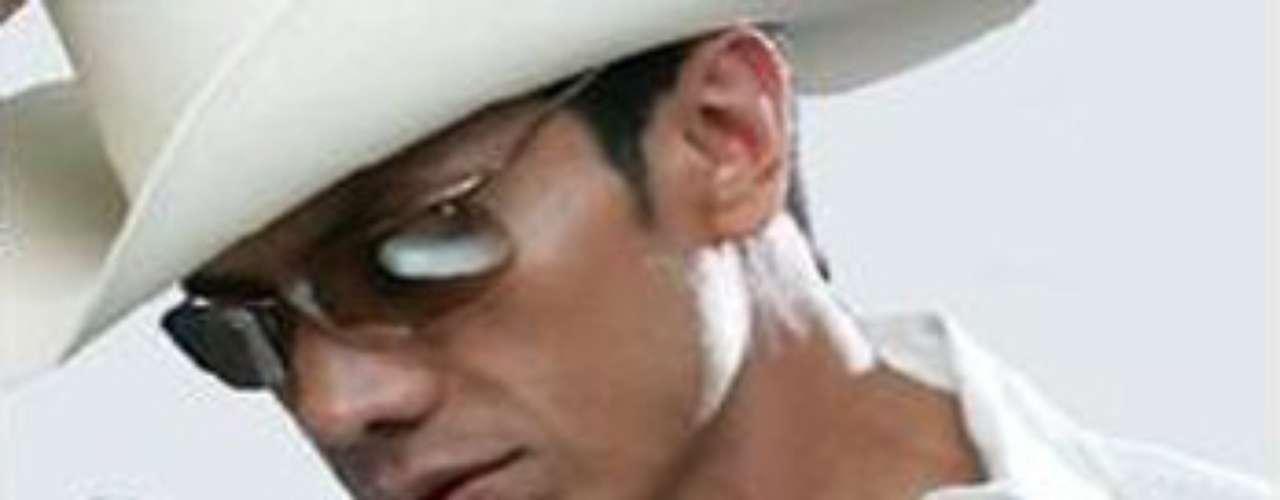 El ex vocalista de la Banda Maguey, Ernesto Solano, fue apresado el pasado 23 de junio en Ocotlán, Jalisco, México por el uso indebido del nombre e imagen de su ex agrupación, según reseñó el Diario Basta!.