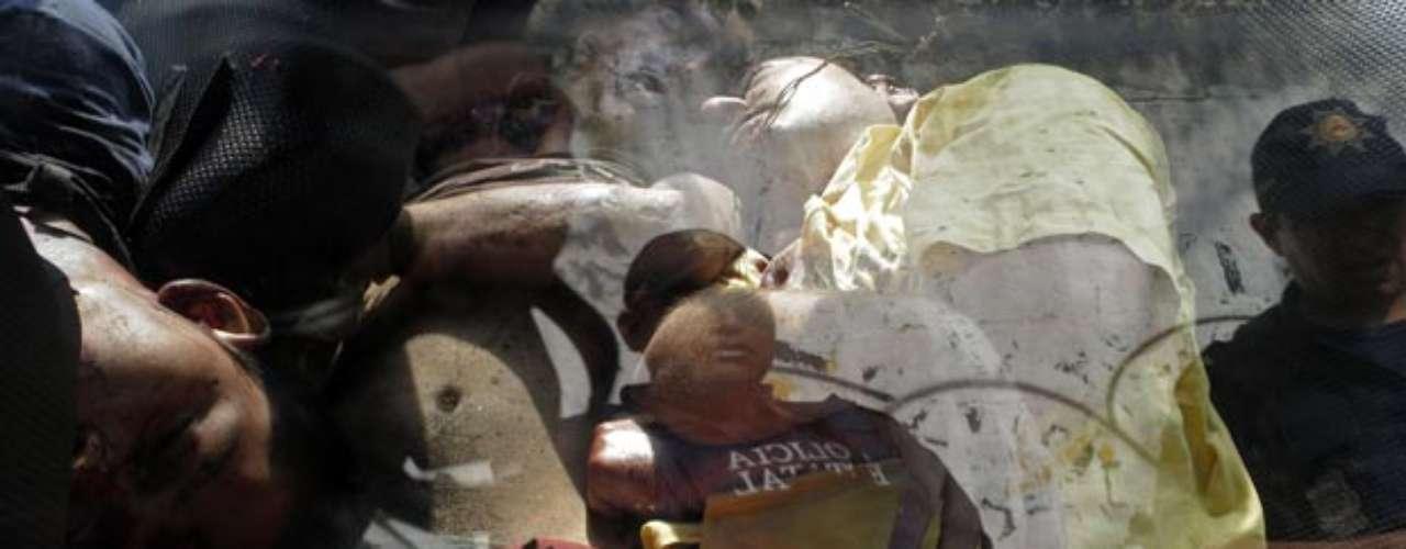 A principios de julio de este año dos hermanos fueron hallados asesinados dentro de un taxi en el estado de Guerrero. Los cadáveres estaban atados de manos y presentaban señales de tortura. Los más cruel del crimen fue que ambos hombres fueron decapitados.