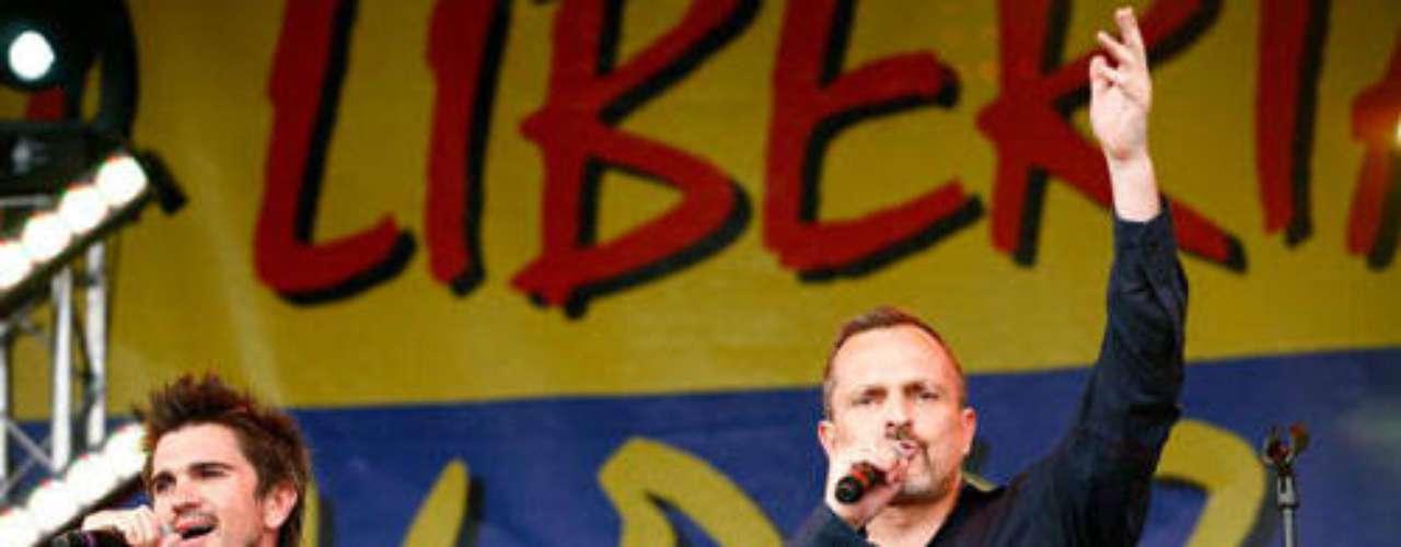 Miguel Bosé. En el año 2010 el cantante español recibió su carta de nacionalidad colombiana de manos del presidente, en ese entonces, Álvaro Uribe, durante una ceremonia en la Casa de Nariño, a la que asistió un reducido grupo de personalidades de la política. Bosé es gran amigo de los cantantes Juanes y Cabas, y se ganó el cariño de los colombianos cuando se presentó en el concierto Paz sin Fronteras, que se realizó en Cúcuta.