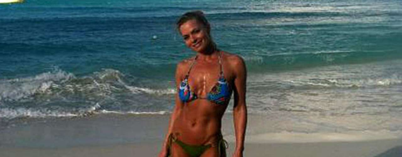 Va-va-voom!  Jaime Pressley tweeted this sizzling bikini pic on March 2, 2012, with the caption: \