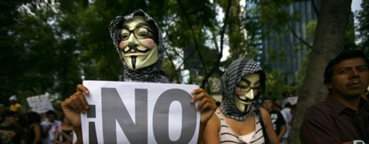Los manifestantes partieron desde el monumento del Ángel de la Independencia con gritos de \