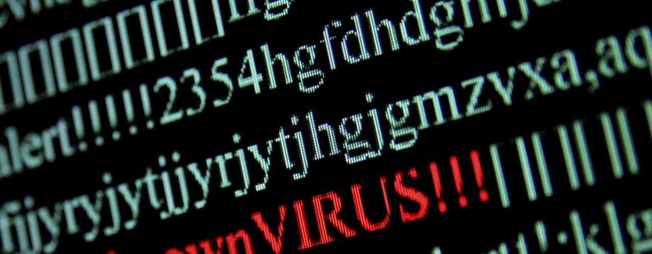 La amenaza del virus Alureon que podría dejar a unos 250,000 usuarios de internet sin el servicio, mantiene al mundo en alerta. Según el FBI, de las computadoras infectadas unas 45.355  están en Estados Unidos.