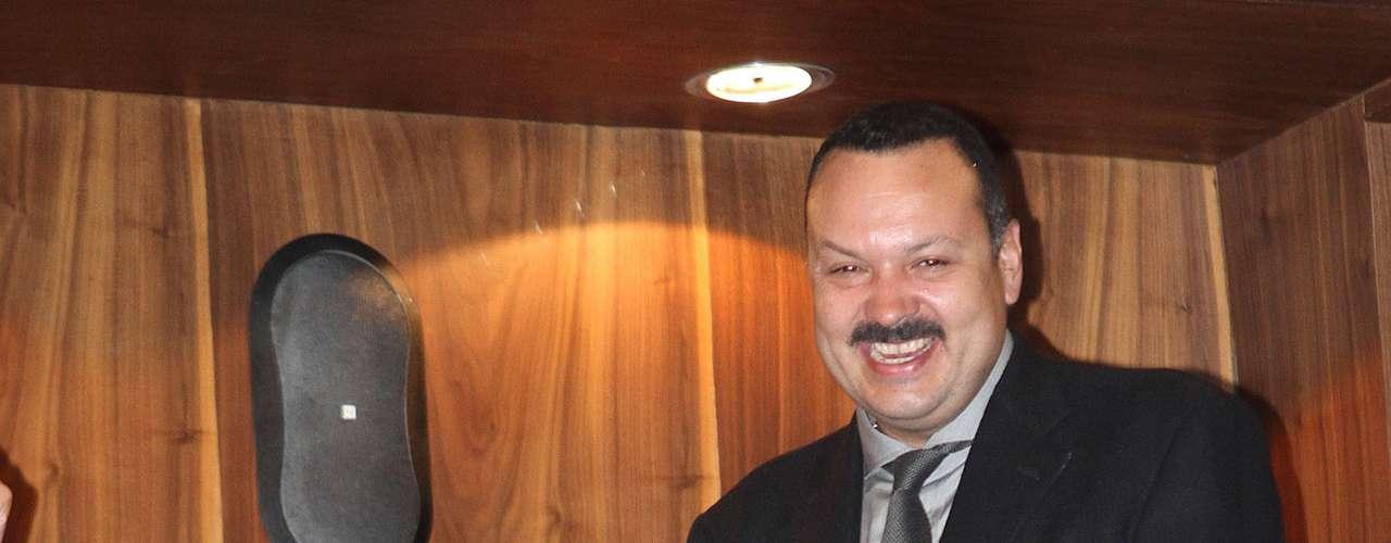 Pepe Aguilar agradeció a las máximas autoridades de la cultura en México, y en especial al Palacio de Bellas Artes, por el tributo póstumo que ofrecieron en memoria a su padre, Antonio Aguilar.