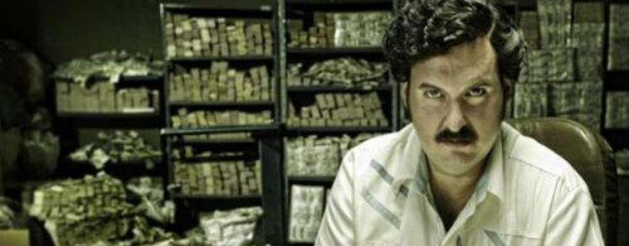 Estrenó una serie similar a ninguna otra, que muestra la escalofriante historia de Pablo Escobar, el narcotraficante que afectó el país con sus acciones violentas enmarcadas en miles de asesinatos, secuestros y atentados.Síguenos en   Twitter'Escobar, El Patrón Del Mal', ¿cómo va la trama?Angie Cepeda regresa a las novelas como amante de un narco asesino'Escobar' y otras de las mejores telenovelas colombianasLas narconovelas colombianas: polémicas y exitosas