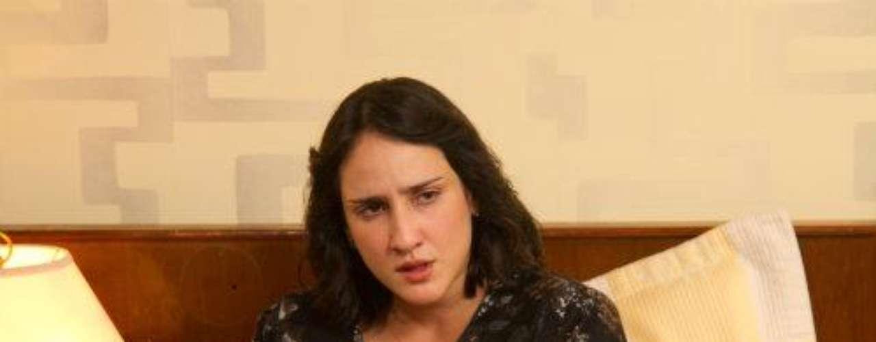 Ella junto a sus hijos, es el amor de la vida de Escobar, él nunca le quiso fallar pesé a que le hizo pasar muy malos ratos por culpa de encuentros clandestinos con otras mujeres.Síguenos en   Twitter'Escobar, El Patrón Del Mal', ¿cómo va la trama?Angie Cepeda regresa a las novelas como amante de un narco asesino'Escobar' y otras de las mejores telenovelas colombianasLas narconovelas colombianas: polémicas y exitosas