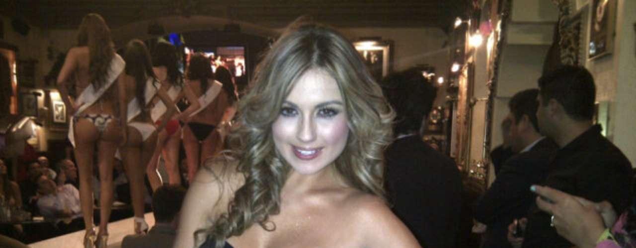 Sara Uribe concursante de Protagonistas de Nuestra Tele tiene 21 años ha sido modelo, presentadora y estudiante de Comunicación Social.  Durante la competencia ha demostrado ser una mujer fuerte, decidida y talentosa.  Además, ha sobresalido por su belleza, pues es una de las mujeres más sexis del reality. Estas son algunas de las fotografías más atractivas publicadas en su cuenta oficial de Twitter.