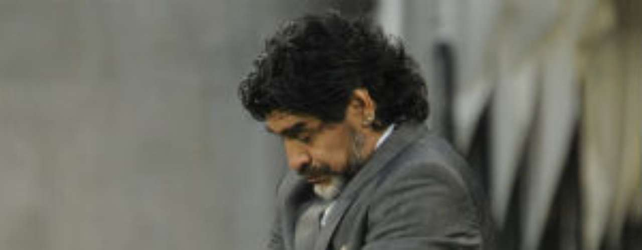 Although he showed some flashes during his time coaching the national team, Maradona could never establish a concise style with the team. This generated serious criticism from the press in Argentina.