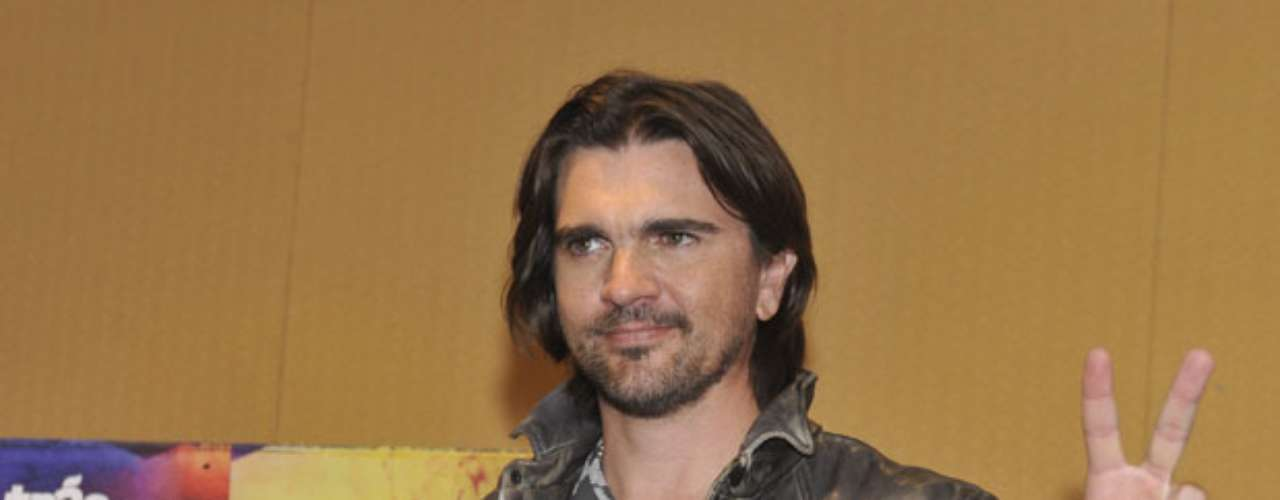 Juanes anunció en una rueda de prensa su gira \