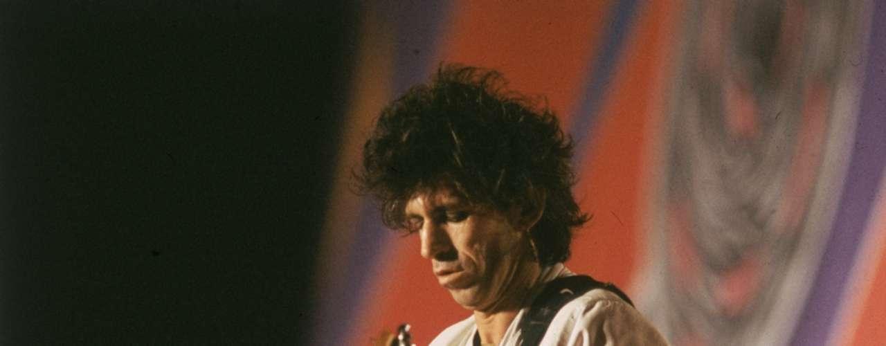 1978: Keith Richards es arrestado, queda en libertad condicional por posesión de drogas.