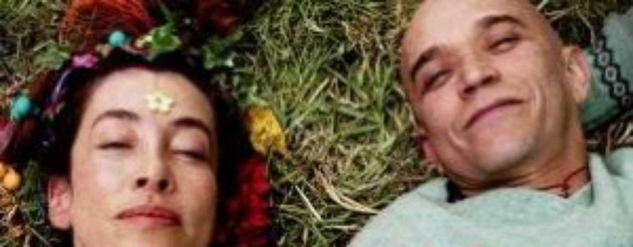 Diástole y Sístole – 2000. El amor y sus complicaciones son la trama principal de esta película colombiana que une varias historias de amor  en una sola tragicomedia. La historia deja varias enseñanzas en cuanto a los sentimientos y las complicaciones que sufre el ser humano para adaptarse amorosamente a otra persona.