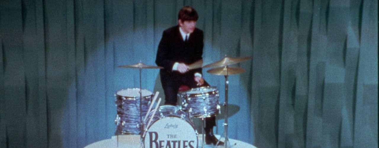 """La aparición de los Beatles en el """"Show de Ed Sullivan"""" tiene el lugar 43."""
