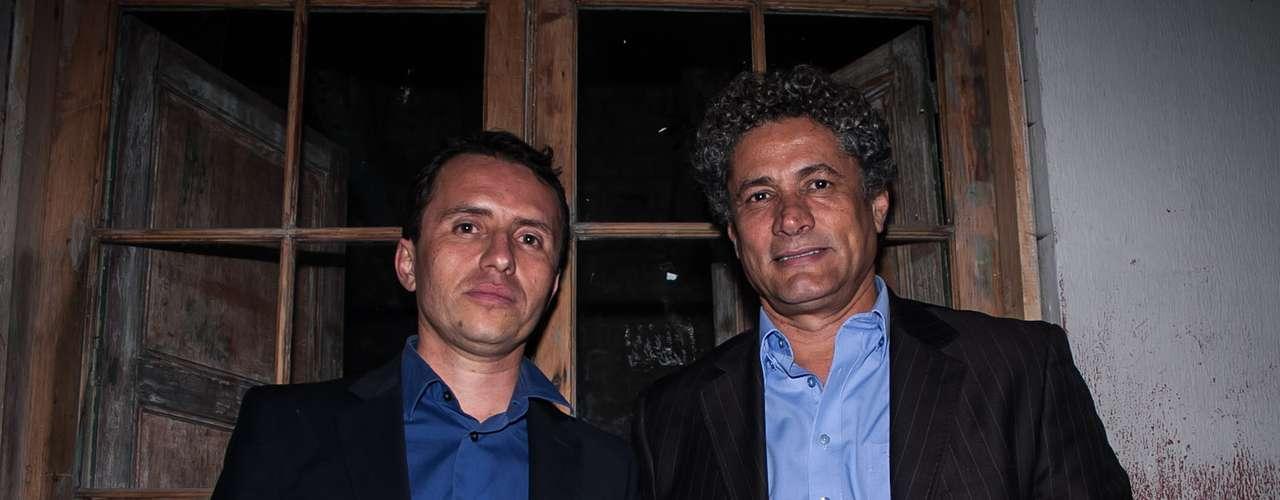 El director y productor Yuldor Gutiérrez (der), trabajó recientemente para Tv Azteca como productor de la versión mexicana de 'A Corazón Abierto' realizada en Colombia, acompañado de John Alex Toro (izq), actor de teatro, cine y televisión.