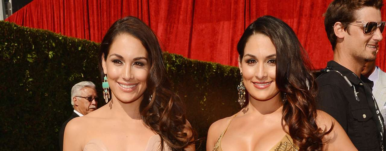The Bella Twins Brie Bella and Nikki Bella arrive at the Nokia Theater for the ceremony.