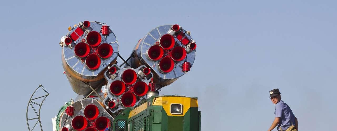 La nave Soyuz TMA-05M ya está situada en la plataforma de lanzamiento.