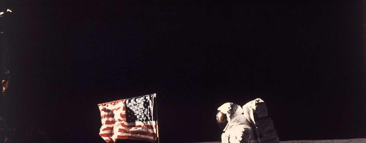 El mismo lugar que ocupa la llegada del hombre a la luna en 1969, para toda la audiencia.