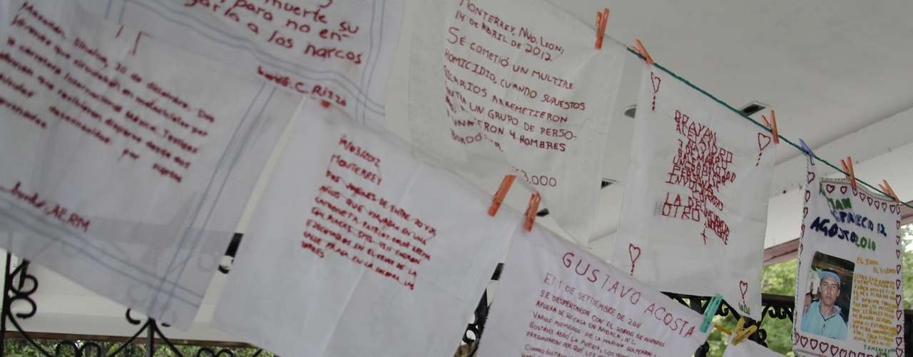 Bordados por la Paz es un movimiento formado por las madres y familiares de las personas que desaparecieron en el estado de Nuevo León. Los pañuelos bordados con letras rojas van dedicados a las personas que fueron asesinadas, así como las cartas verdes van dirigidas aquellos seres queridos de los cuales no se sabe nada.