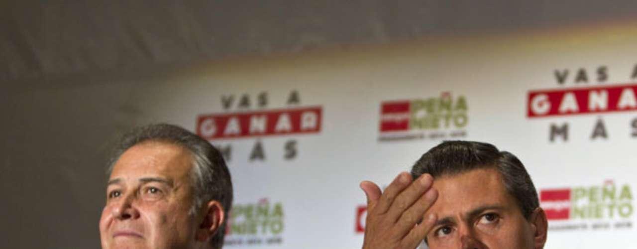 Antes de las elecciones, Peña Nieto anunció que un general colombiano, el exdirector de la policía Oscar Naranjo, sería su asesor en materia de seguridad, ante sospechas de que un regreso del PRI al poder traería una política más complaciente hacia el narcotráfico. La contratación de Naranjo es para \