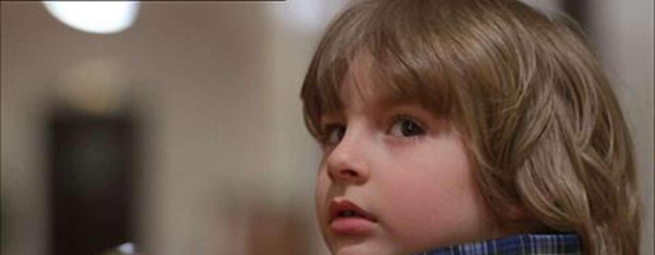Danny Torrance (Danny Lloyd) en El Resplandor (1980): Un niño que puede leer el pensamiento y anticipar el futuro e hijo de un escritor que se vuelve loco.