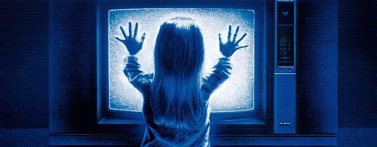 Carol Anne Freelings (Heather ORourke) en Poltergeist (1982): Una adorable niña rubia, junto a su familia, son acosados por fantasmas en su propia casa.