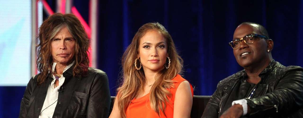 Linda y con gran entusiasmo, J.Lo comenzó su segunda temporada como jurado en \