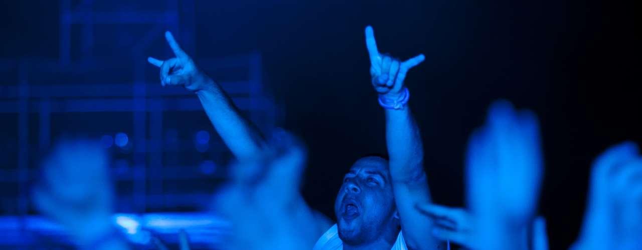 El público ha dado sus últimos alaridos que quedaban en su garganta para adorar a la figura de la música electrónica.